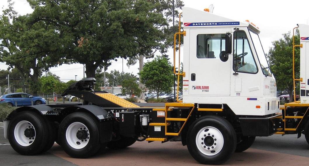 Ottawa 6x4 Terminal Tractor